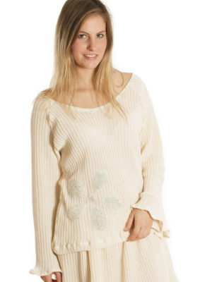 Pull Patch'Mode en tricot avec fleur bleue