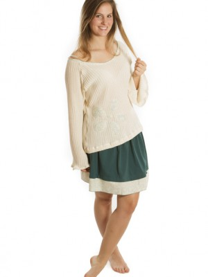 Tenue tricot avec jupe turquoise